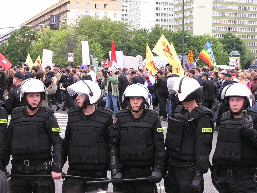 police-protecting-the-demonstration-1314977.jpg